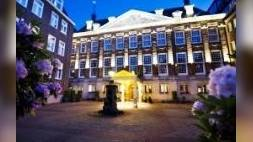 Hotel The Grand wint service-award